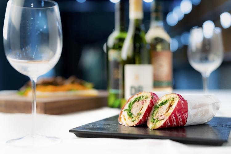 """来自美国西海岸的快餐,""""寿司卷饼""""行业的第一家专卖店""""beeat Sushi Burrito Tokyo"""""""