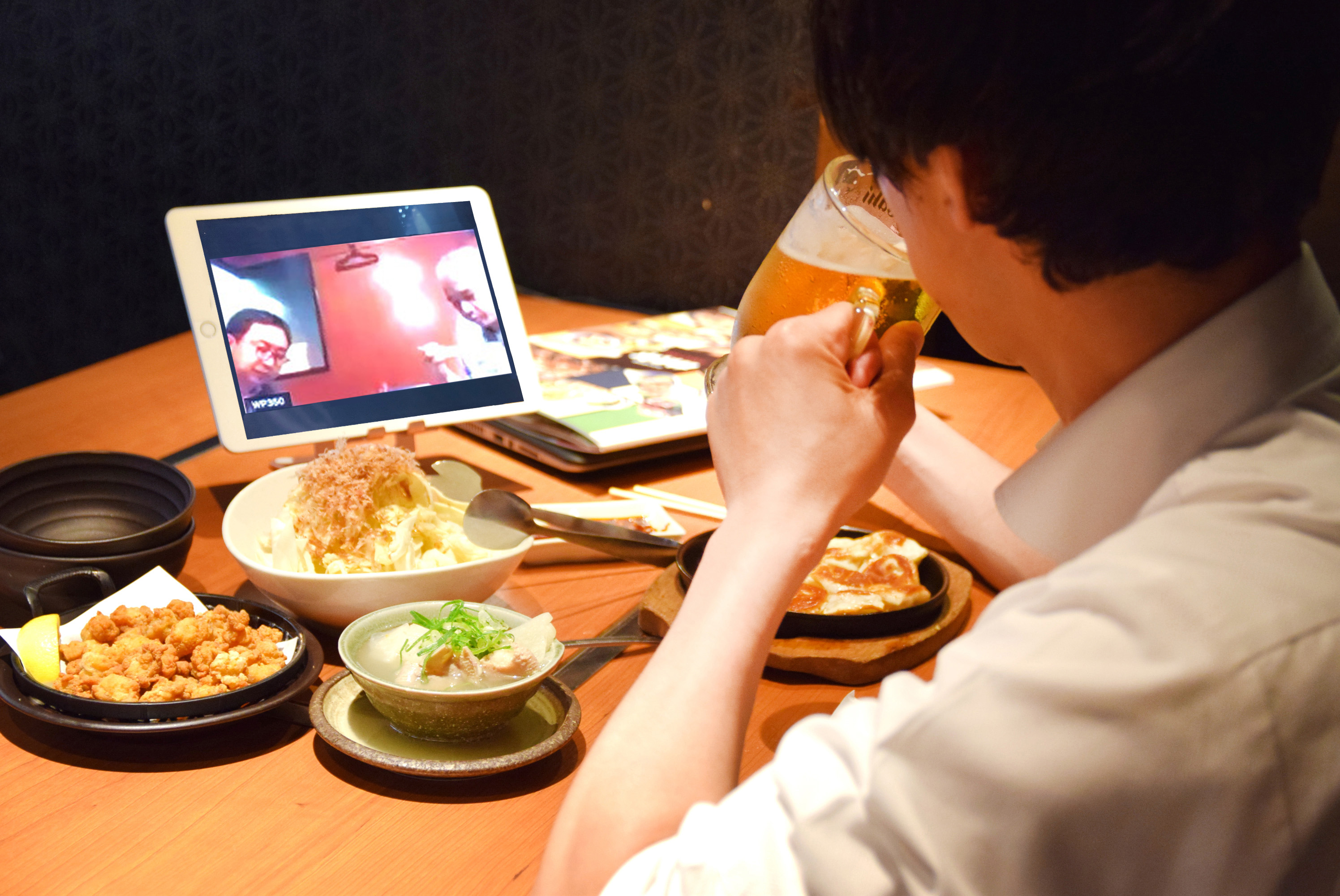 The CW Company, which develops izakaya such as Amataro, has set up a remote seat to connect drinking parties in [Tokyo-Osaka].