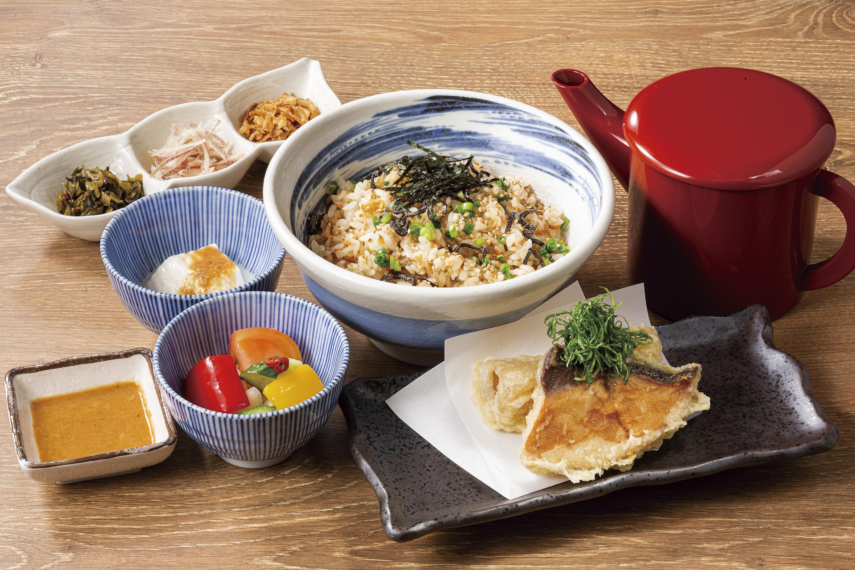 """[鱼和伊乔]栗原慎平的"""" Uomeshi""""套餐将于10月5日(星期一)在全国的生鱼片小酒馆"""" Uoya Iccho""""发售。"""